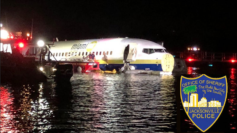 Boeing 737 Overshoots Runway Into Florida River