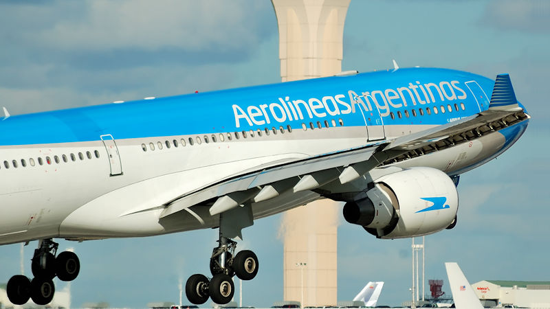Aerolíneas Argentinas Cancels All Monday Flights