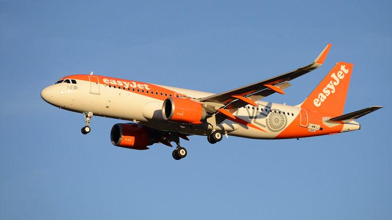easyJet Orders 17 More A320neos, Delays Deliveries