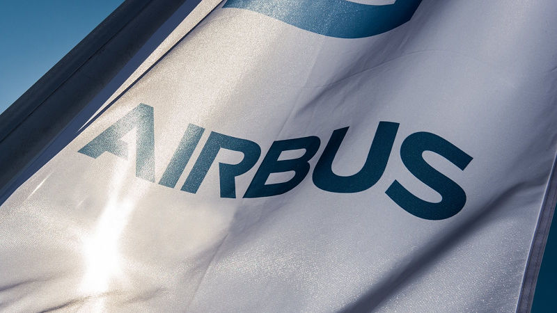 Airbus Signs 300 Aircraft Order From China