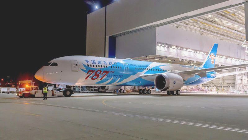 Boeing Hands Over The 787th 787