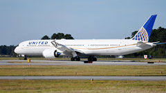 United Takes Delivery Of First 787-10